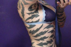 Tatuajes, piercings y cirugías extremas convirtieron a estas 7 mujeres en algo difícil de describir